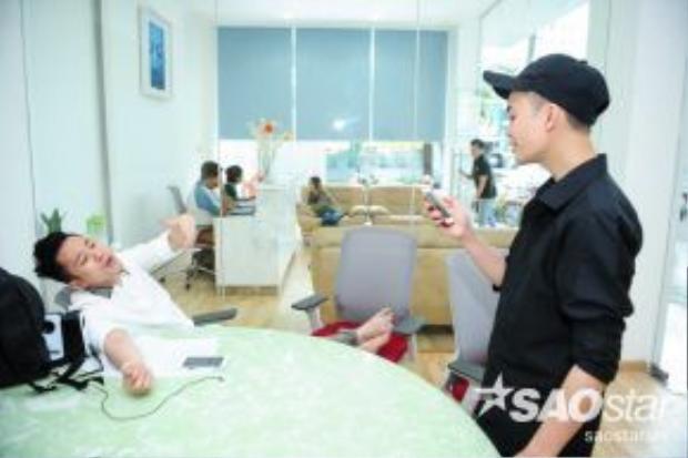 Tùng Dương cũng có một buổi tập luyện riêng cùng Tuấn Phương.