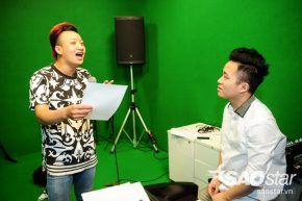 Adam được nhận xét ngày càng tiến bộ trong giọng hát dưới sự huấn luyện tài tình của hai vị giám khảo Thanh Lam và Tùng Dương.