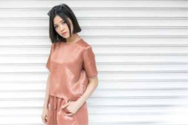 Tone màu được đánh giá là hot nhất hè có lẽ phải kể đến màu cam đất, đang là xu hướng trong cả thời trang và make-up.