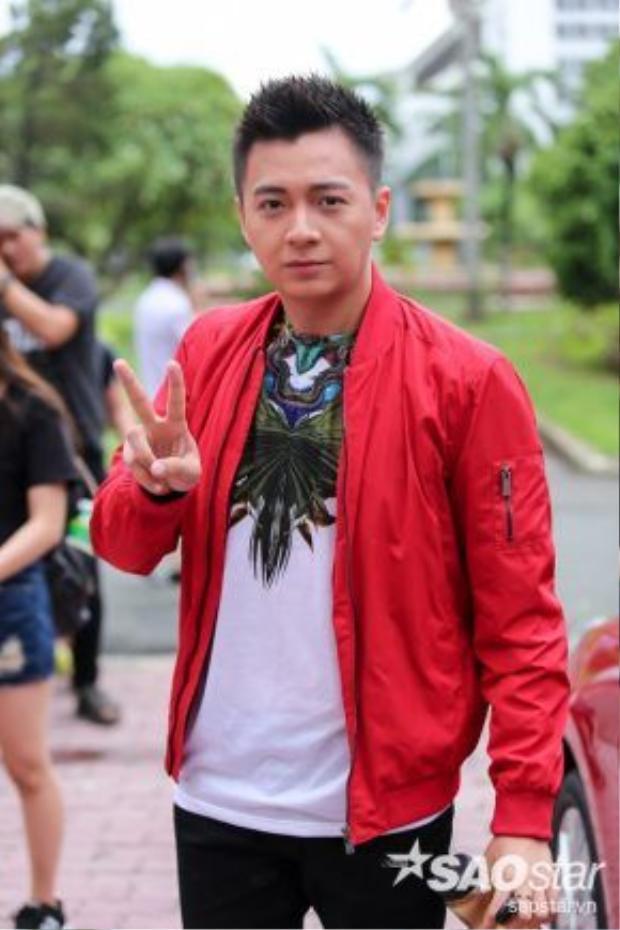 Nam MC điển trai Ngô Kiến Huy.