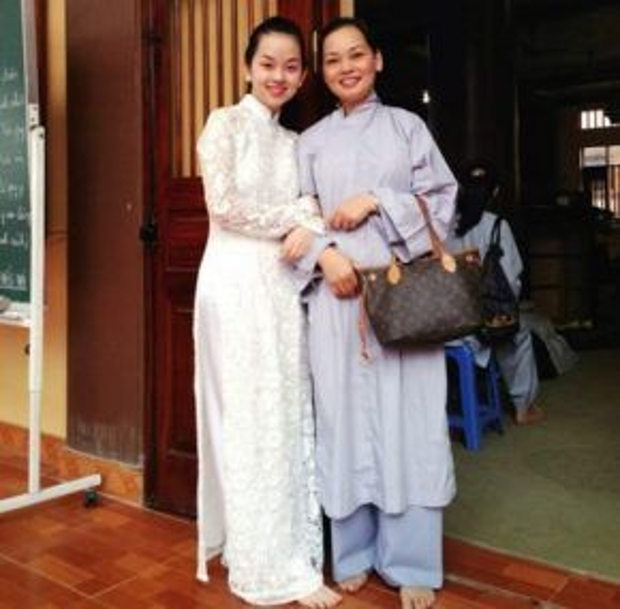Ly Kute và mẹ.