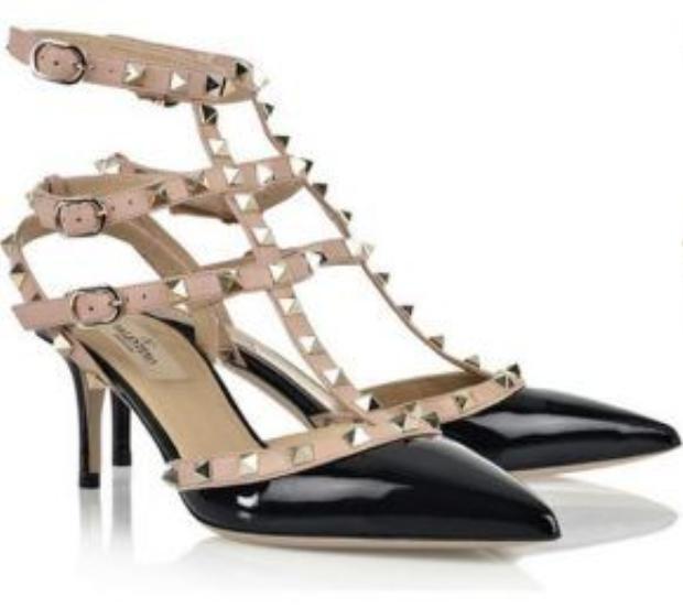 Đôi giày có giá 1.145 USD (khoảng 27 triệu).