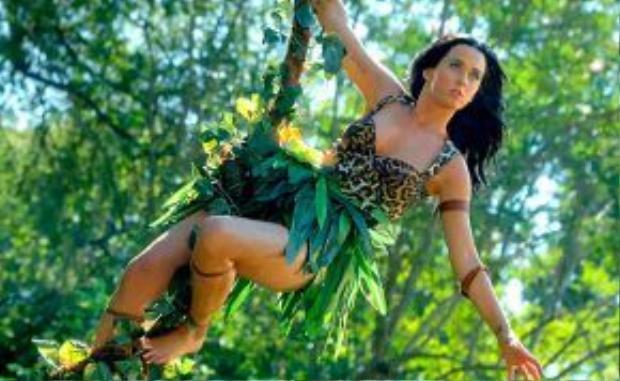 Chúa tể rừng xanh trong Roar.