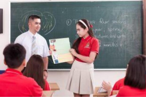 Các thầy cô cũng rất tâm lý khi luôn là người tự thiết kế từng mẫu đồng phục cho học sinh trường mình.
