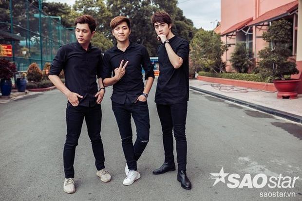 3 anh chàng sở hữu thân hình chuẩn, gương mặt sáng nên dù lựa chọn trang phục diễn hay thời trang đời thường cũng không làm khó được họ.