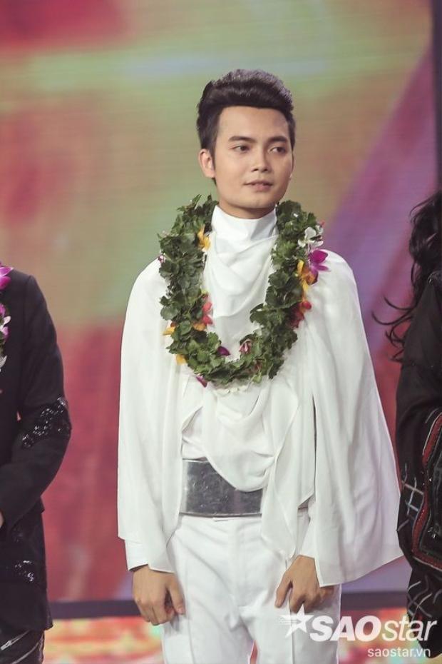 Ngoài những chi tiết lạ mắt, Tuấn Phương còn khiến các khán giả hâm mộ mê mệt vì kiểu tóc thời thượng của mình. Đây là một trong điểm sáng của chương trình.