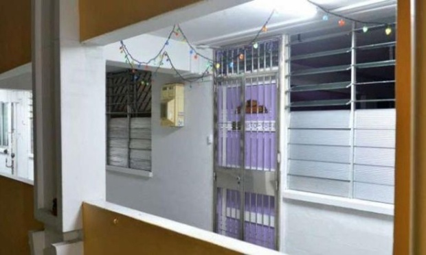 Hình ảnh được cho là bên ngoài căn chung cư nơi em bé xấu số và gia đình sinh sống.