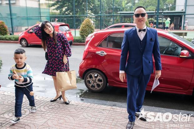 HLV Nguyễn Hải Phong cũng đến cùng vợ và con trai