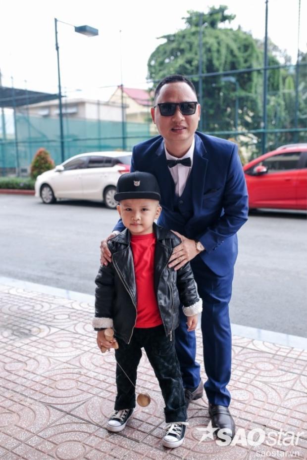 Nhạc sĩ Nguyễn Hải Phong cực bảnh bao bên con trai