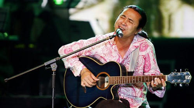 Lê Minh Sơn là một lựa chọn tốt cho những thí sinh Sing My Song - Bài hát hay nhất muốn tạo dựng một màu sắc âm nhạc riêng biệt, lạ và độc đáo…