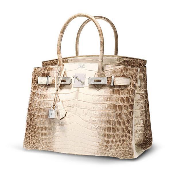 Chiếc túi xách Matte White Himalaya Niloticus Crocodile Diamond Birkin. Đây là chiếc túi sản xuất giới hạn đến mức không phải cứ có tiền là mua được!