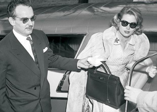 Hình ảnh nữ diễn viên Grace Kelly xuất hiện cùng chiếc túi Hèrmes đã khiến thương hiệu này nhanh chóng trở nên nổi tiếng và gây sốt trên toàn thế giới.