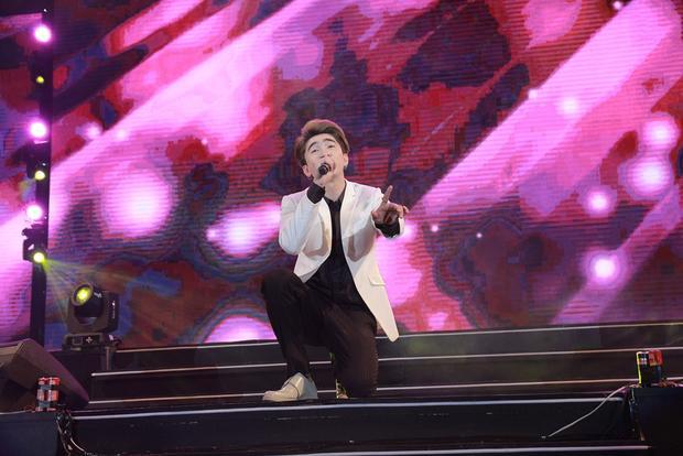 Ưng Đại Vệ, Chi Dân khiến fan đứng ngồi không yên trong đêm nhạc đặc biệt