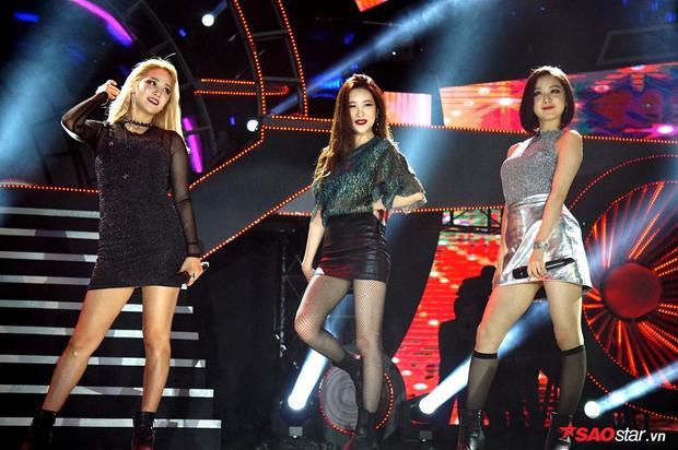 Nhóm hiện đang hoạt động với 4 thành viên: Yenny, Sunmi, Hyelim và Yubin. Tuy nhiên Yubin không thể sang Việt Nam lần này do vướng lịch trình riêng.