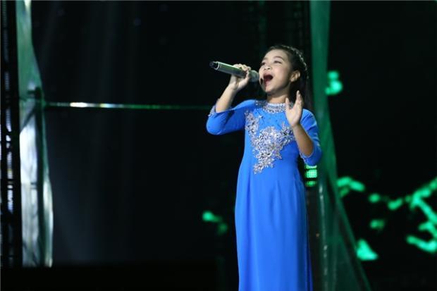 """Đêm chung kết cuộc thi, Mai Anh tỏa sáng với giọng hát """"khủng"""" qua bài Nổi lửa lên em"""