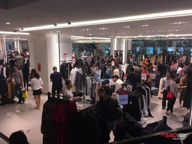 Zara Việt Nam mở đợt giảm giá đầu tiên.