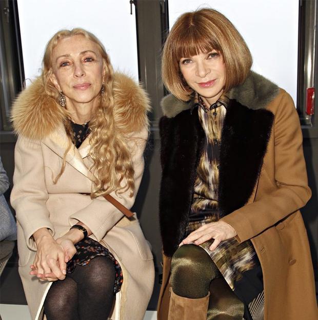 Tình cảm vô cùng thân thiết giữa 2 người đàn bà quyền lực Anna Wintour vàFranca Sozzani trong làng thời trang.