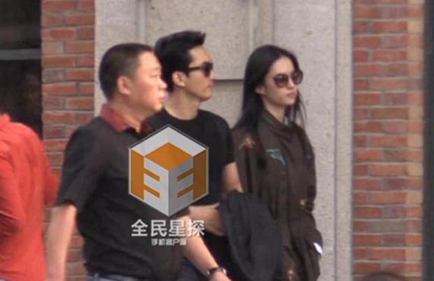 Sau khi hẹn hò, Lưu Diệc Phi đưa Song Seung Hun về quê nhà Vũ Hán thăm mẹ và gia đình của cô.