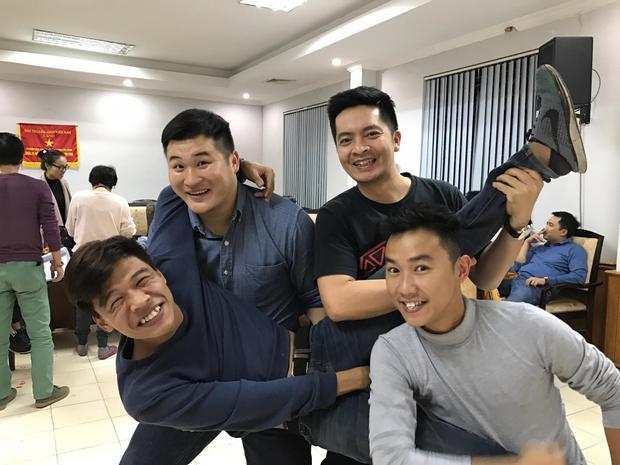 Đội hình Táo quân 2017 còn có sự tham gia của hai diễn viên trẻ là Trung Ruồi, Minh Tít… trong một vai diễn khá đặc biệt. Chương trình dự kiến sẽ được ghi hình vào ngày 16-18/1 sắp tới.