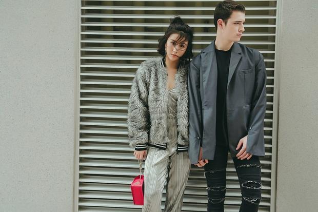 Gợi ý thứ 2 của Quỳnh Anh là set đồ jumpsuit được mix cùng bomber jacket lông, chất liệu hot trend trong mùa lạnh mà nhất định bạn không được bỏ qua.