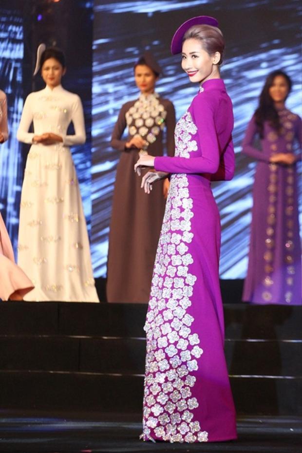 Người mẫu Hằng Nguyễn.