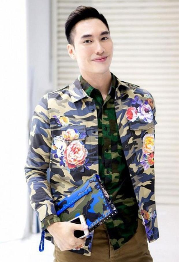 NTK Lý Quí Khánh đã mang lại 1 đêm trình diễn áo dài ấn tượng cho người xem.