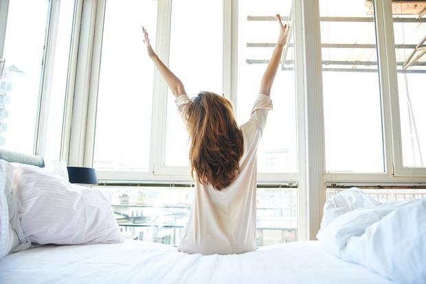 Hôm nay là ngày đầu tiên của năm  đừng ngủ nướng nữa, dậy và làm ngay những điều này để có một năm mới thật vui vẻ!
