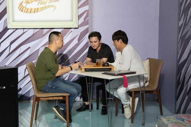 Phan Mạnh Quỳnh đối đầu cùng Ưng Đại Vệ tại vòng sáng tác 24 giờ.