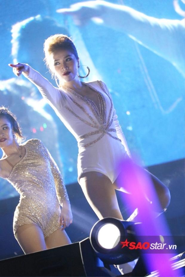 Bảo Thy là nữ ca sĩ được chờ đợi nhất đêm nhạc.