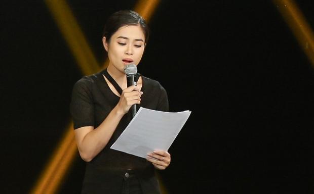 Đồng thời, cô cho rằng Vicky Nhung còn quá an toàn và chưa thể hiện được cá tính của mình.