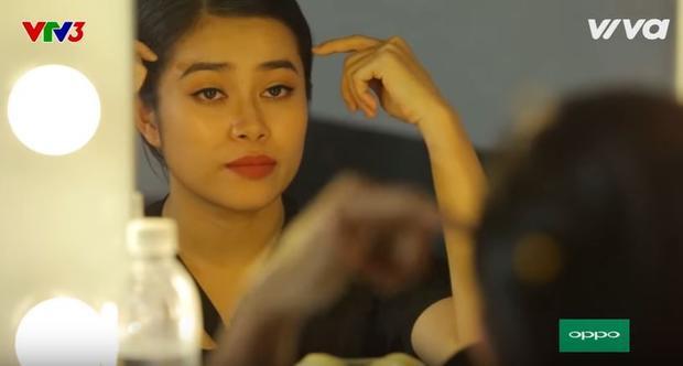 Hoàng Hồng Ngọc rơi nước mắt vì thất bại trước đối thủ Vicky Nhung.