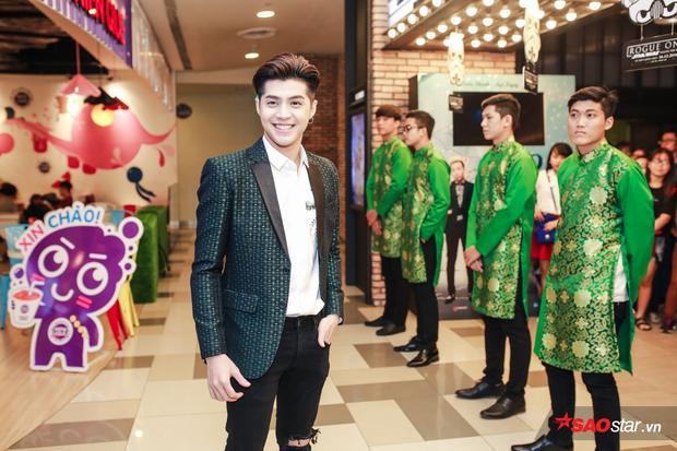 Noo Phước Thịnh xuất hiện vô cùng bảnh bao, điển trai trong buổi họp báo phim.