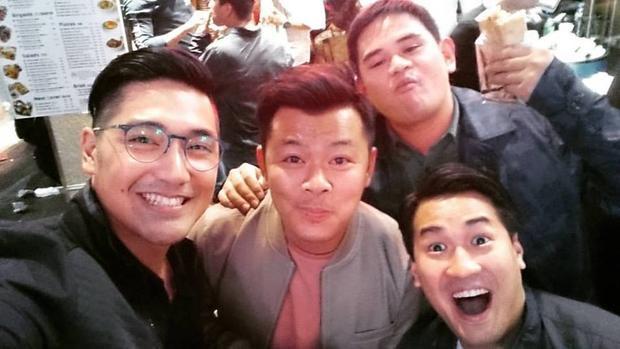 Martin Uy (ngoài cùng bên trái) rất thân với Phillip Nguyễn.