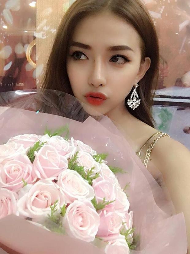 Vẻ đẹp hiện đại của bạn gái Phan Mạnh Quỳnh.