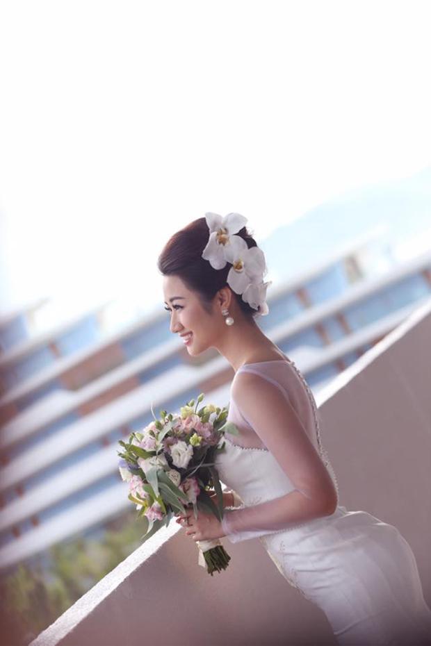 Chỉ mới đăng quang ngôi vị Hoa hậu được hơn 4 tháng nhưng Thu Ngân đã quyết định lên xe hoa về nhà chồng.