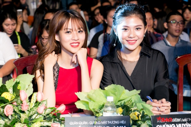 Phí Phương Anh và Chúng Huyền Thanh đảm nhận vai trò Giám khảo cuộc thi.