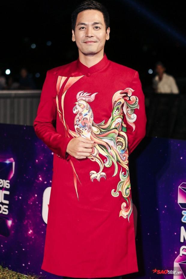Phan Anh nổi bật với họa tiết Oriental.