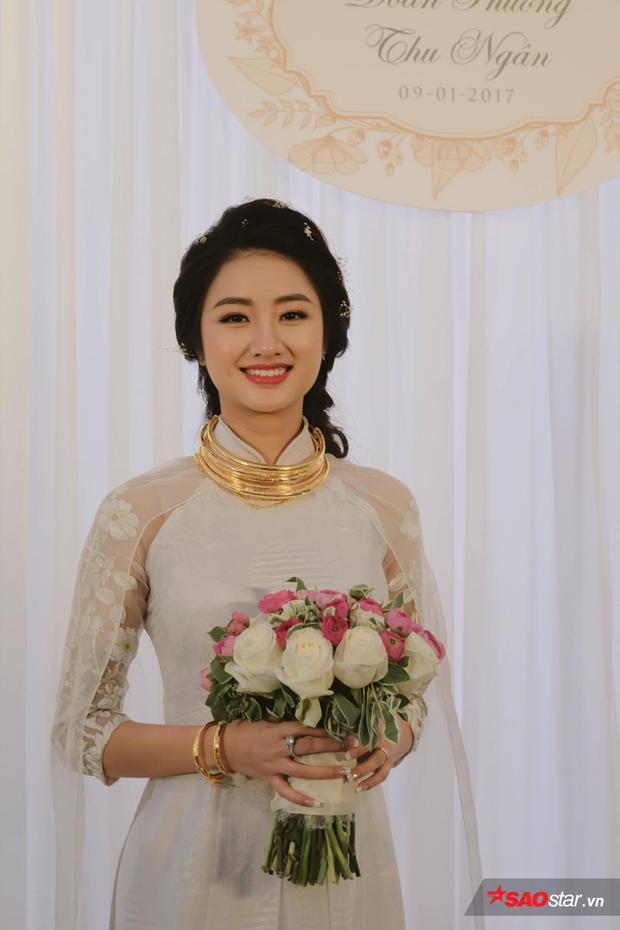 Thu Ngân đẹp hút hồn trong ngày cưới.