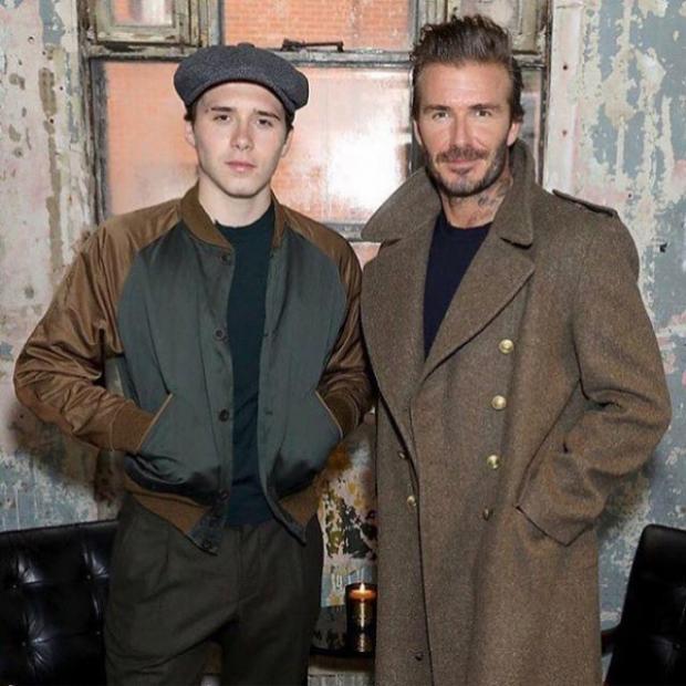 Cậu con trai cả được xem như một phiên bản trẻ tuổi của David Beckham. Phong cách thời trang của hai bố con cũng có nhiều nét tương đồng.