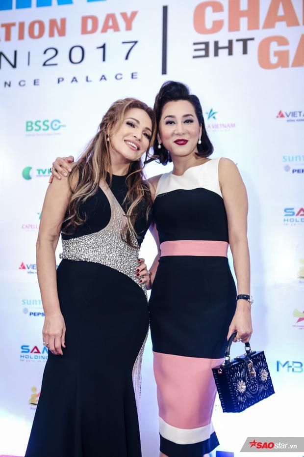 MC Kỳ Duyên dự sự kiện cùng người bạn thân là ca sĩ Thanh Hà.