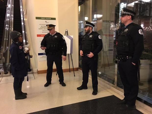 Công tác bảo vệ được diễn ra nghiêm ngặt từ tận sáng để đảm bảo an toàn tối đa cho Tổng thống và những người tham dự.