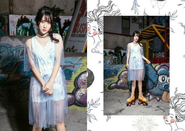 Chất liệu chính tạo nên bộ sưu tập là những kiểu áo, váy lưới xuyên thấu mang tới cảm giác nhẹ nhàng, nữ tính.