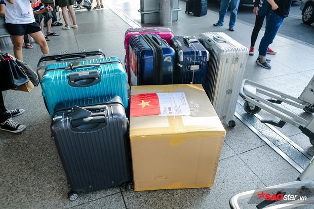 """Cận cảnh số hành lý """"khủng"""" mà Lệ Hằng mang tới Miss Universe 2016."""
