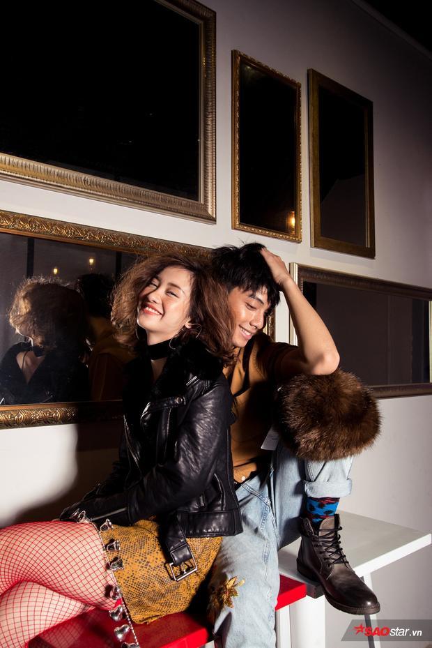 Ngay cả các bạn nam cũng hoàn toàn có thể dùng chung kiểu make up hợp rơ với các cô gái đó. Nhìn outfit này của Jun Vũ và Đình Hiếu, ai dám khẳng định là không thu hút nào?