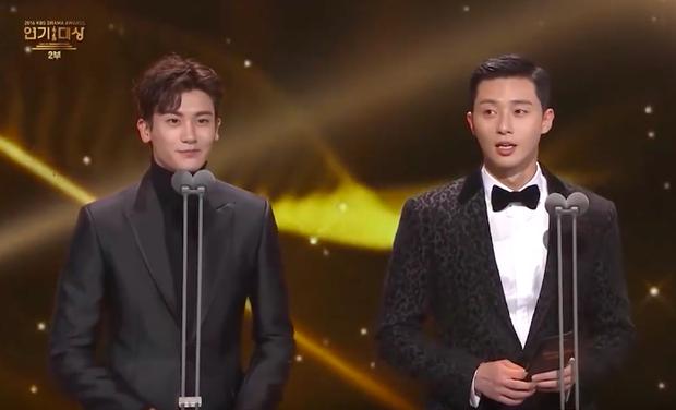 Tại giải thưởng KBS Drama Awards 2016.