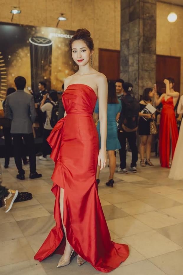 Cố thể nói rằng, Hoa hậu Đặng Thu Thảo chính là tâm điểm nổi bật trên thảm đỏ sự kiện đêm qua.