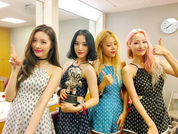 Wonder Girls phiên bản 4 thành viên thì hiện tại.