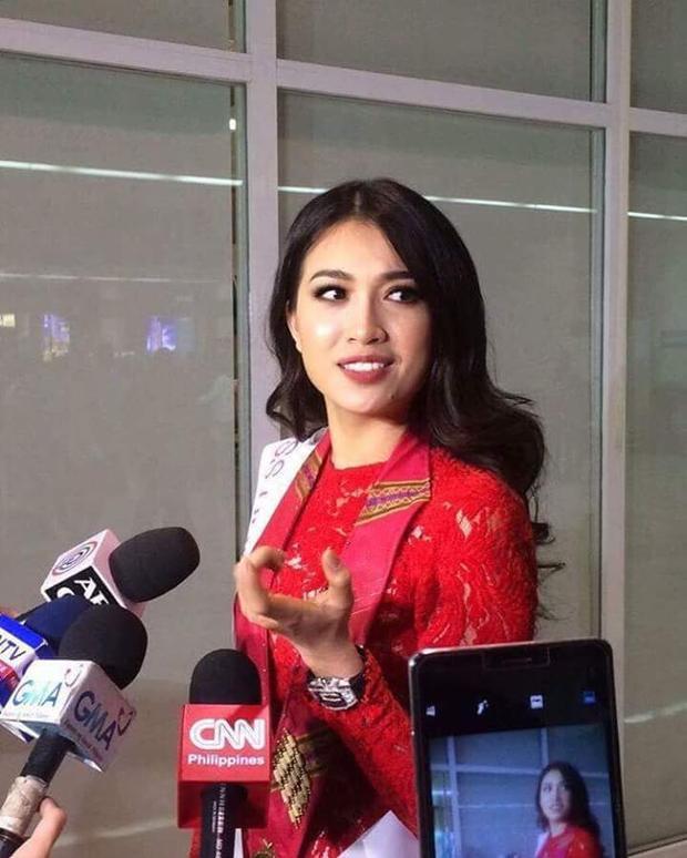 Cô thu hút sự chú ý của truyền thông quốc tế.