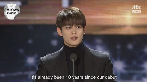 Grammy Hàn 2017: EXO đi vào lịch sử cùng ngôi vương 4 năm liên tiếp!
