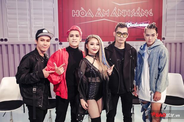 Team Tronie - MiA với DJ Denial Mastro, Producer Addy Trần và biên đạo Đạt Tuấn.